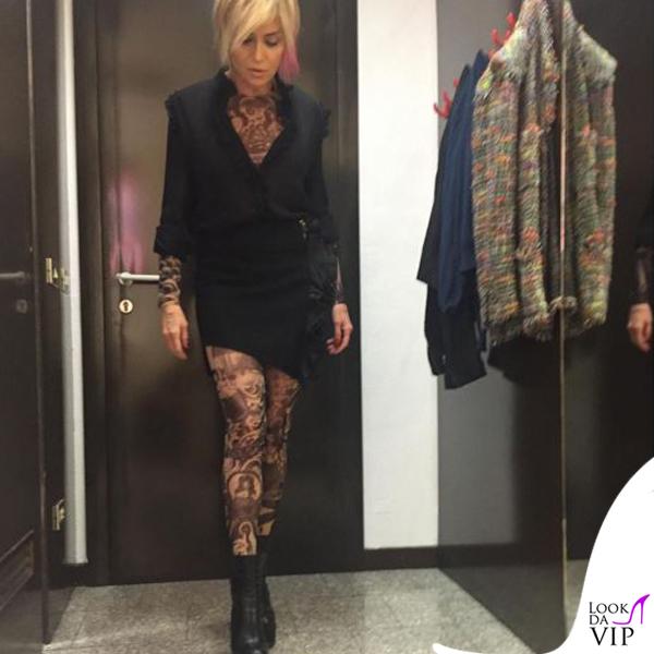 Paola Barale Verissimo camicia e gonna Amen, tuta Dsquared2, stivali Bruno Bordese 5