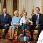 Principe Carlo, regina Elisabetta, principe George e duca William completo Rachel Riley