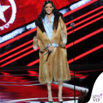 Rihanna total Miu Miu clutch Dolce&Gabbana mollette Fallon collana Le Vian