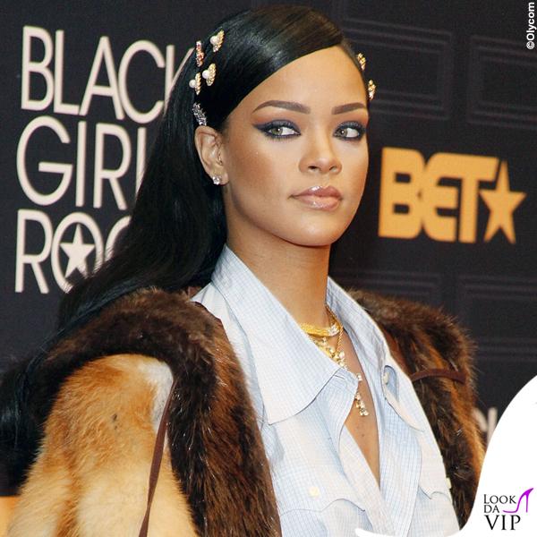 Rihanna total Miu Miu clutch Dolce&Gabbana mollette Fallon collana Le Vian 3