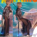 Simona Ventura settima puntata Isola dei Famosi abito Elisabetta Franchi sandali Christian Louboutin 7