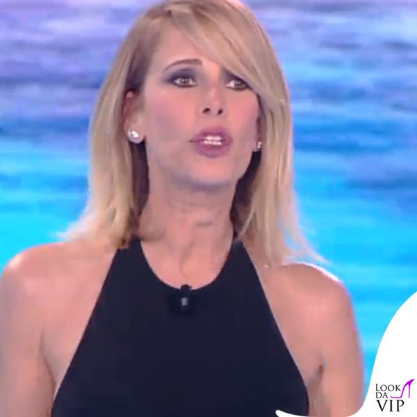 Alessia Marcuzzi finale Isola dei Famosi abito Versace 10