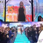 Alessia Marcuzzi finale Isola dei Famosi abito Versace 6
