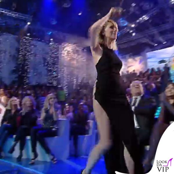 Alessia Marcuzzi finale Isola dei Famosi abito Versace 7