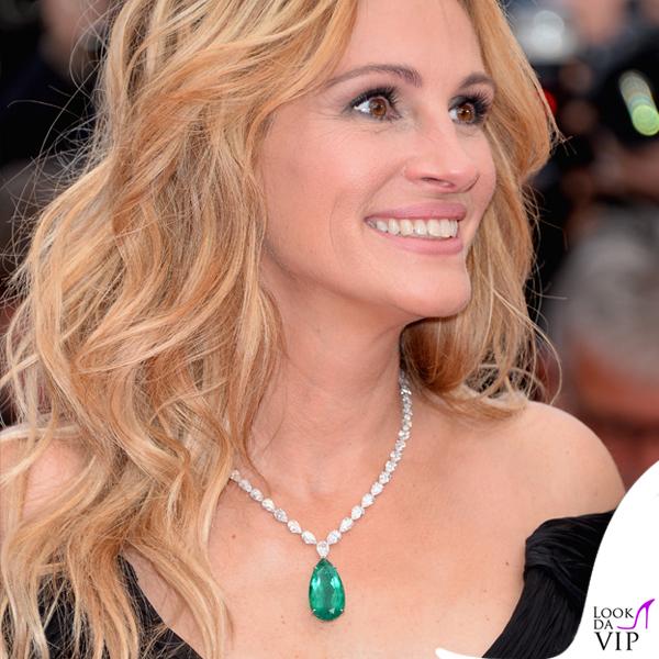 Julia Roberts abito Giorgio Armani collana anello orecchini Chopard