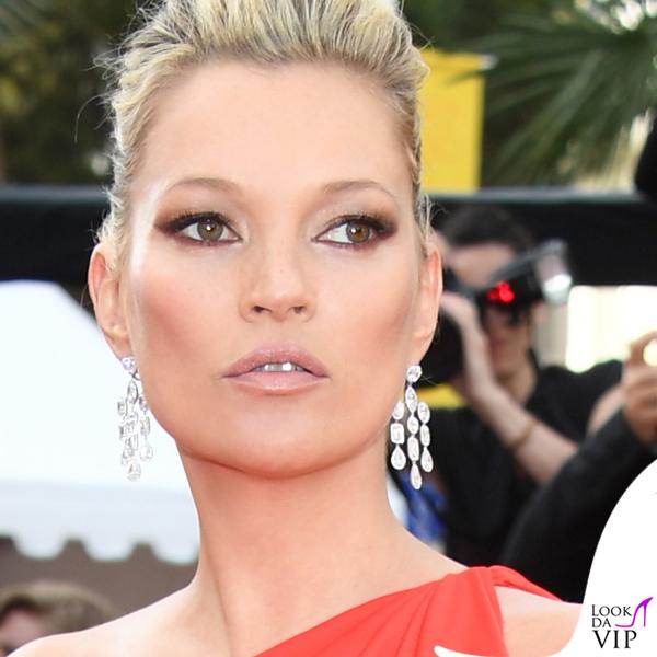 Kate Moss abito Halston gioielli Chopard