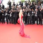 Bella Hadid Cannes 2016 abito Alexandre Vauthier gioielli De Grisogono sandali Giuseppe Zanotti Design 6