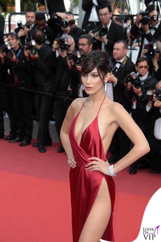 Bella Hadid Cannes 2016 abito Alexandre Vauthier gioielli De Grisogono sandali Giuseppe Zanotti Design 4