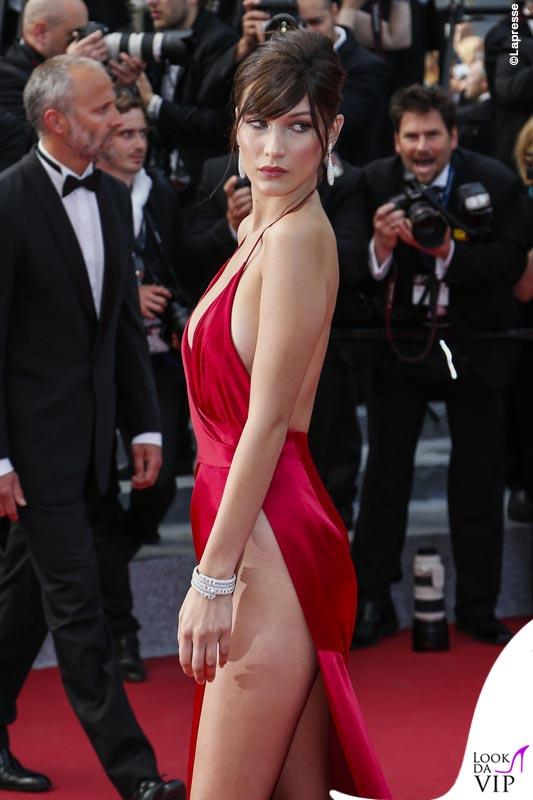 Bella Hadid Cannes 2016 abito Alexandre Vauthier gioielli De Grisogono sandali Giuseppe Zanotti Design 8