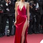 Bella Hadid Cannes 2016 abito Alexandre Vauthier gioielli De Grisogono sandali Giuseppe Zanotti Design 11