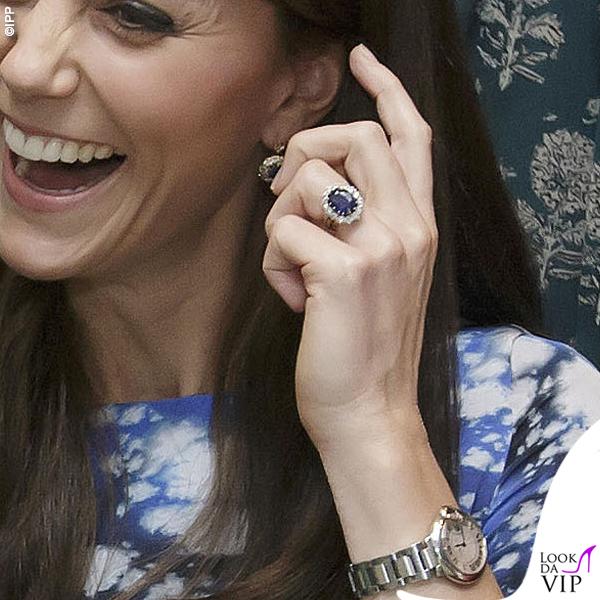 Kate-Middleton-The-Charities-Forum-abito-Tabitha-Webb-scarpe-Jimmy-Choo-orologio-Cartier 2