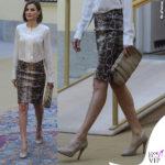 Letizia Ortiz gonna pitonata Uterque clutch Adolfo Dominguez scarpe Magrit