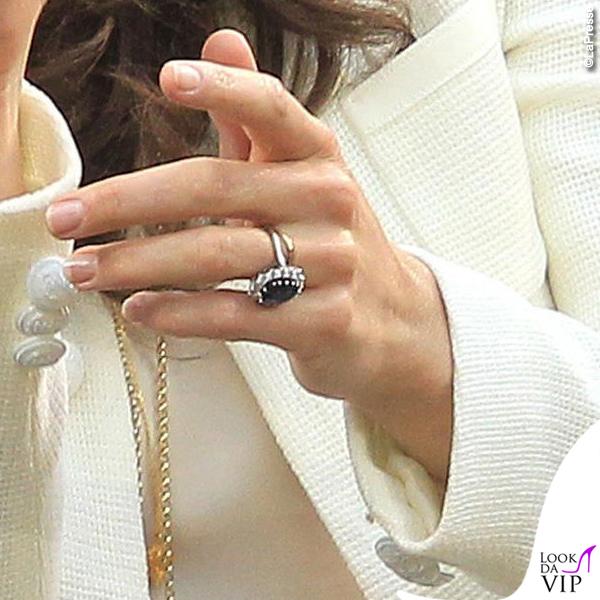 Pippa e Kate Middleton anello di fidanzamento 2
