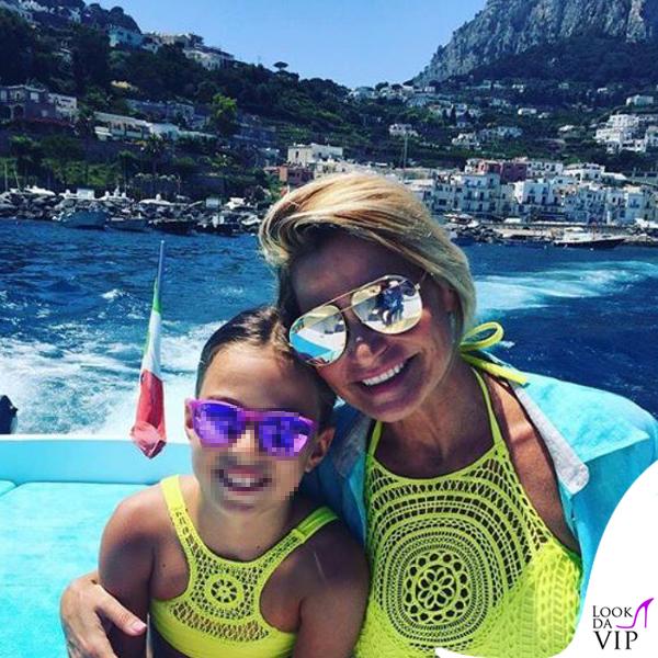 Simona Ventura e Caterina bikini Calzedonia