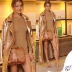 Gigi Hadid MFW presentazione BoBag cappotto body sandali borsa Max Mara 5
