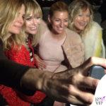 Selfie vestite Scervino (ma una è senza slip)
