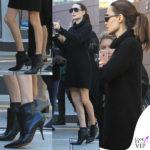 Angelina Jolie, insolito look da teenagers