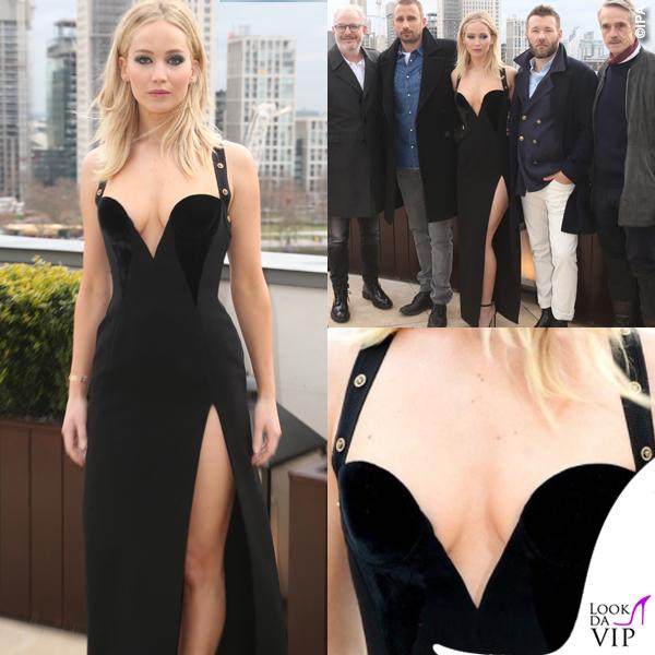 Jennifer Lawrence abito nero Versace