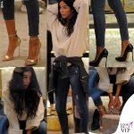 Paola Di Benedetto compra scarpe sexy