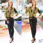 Alessia Marcuzzi Isola dei Famosi ottava puntata camicia Versace 6