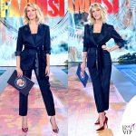 Alessia Marcuzzi Isola dei Famosi prima puntata abito Yves Saint Laurent scarpe Casadei 2
