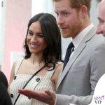 Principe Harry Meghan Markle abito Altuzarra giacca Camilla and Marc scarpe Tamara Mellon borsa Orton 5