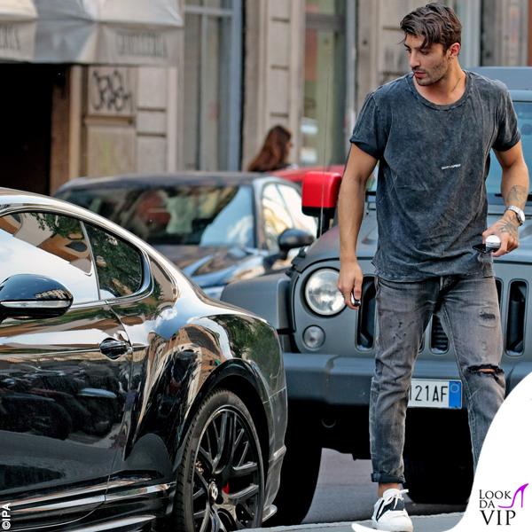 Andrea Iannonre t-shirt Saint Laurent scarpe Valentino