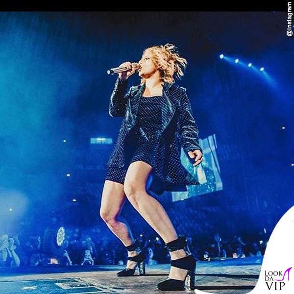 buy online bd362 683de Emma Marrone Essere Qui Tour abiti Emporio Armani scarpe ...