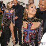Met 2018 Jennifer Lopez abito Balmain Alex Rodriguez