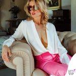 Justine Mattera blusa Diane Von Furstenberg pantaloni Balenciaga occhiali da sole Gucci