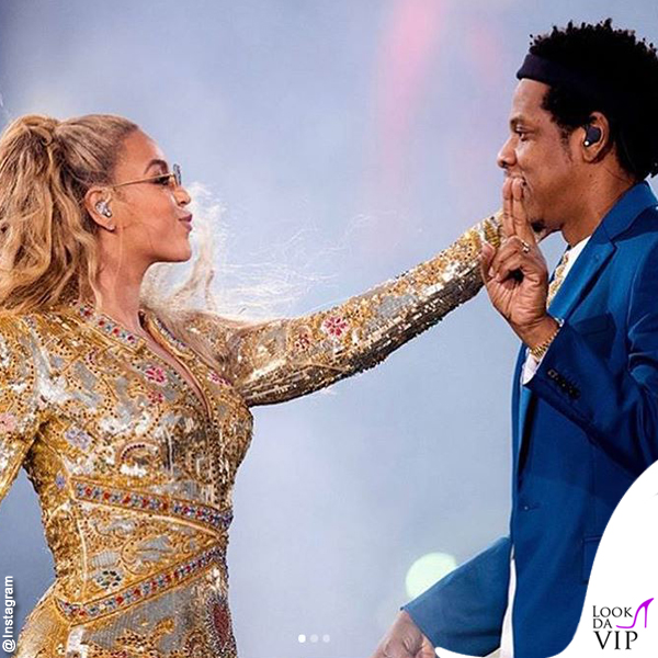 On The Run II World Tour Jay-Z Beyoncé total outfit Dundas 2