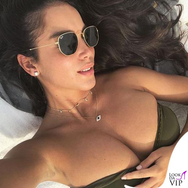 Paola Di Benedetto occhiali da sole Ray Ban