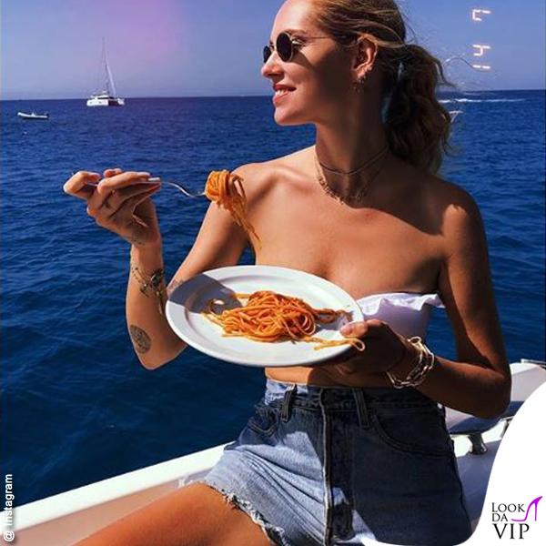 Chiara Ferragni Ibiza addio al nubilato bikini Calzedonia