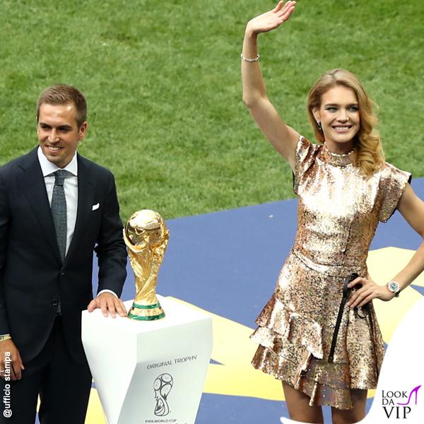 Natalia Vodianova Coppa del Mondo FIFA 2018 abito Louis Vuitton gioielli Chopard