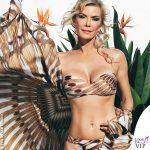 Katherine Kelly Lang, il beachwear è <i>Beautiful</i>
