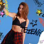 Annalisa Scarrone testimonial Tezenis reggiseno Barcelona nero backstage 2