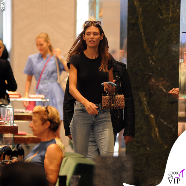 Bianca Balti shopping da Dolce & Gabbana 2