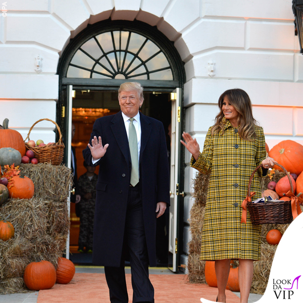 Melania Trump Halloween cappotto Bottega Veneta 10