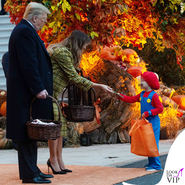 Melania Trump Halloween cappotto Bottega Veneta 7