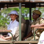 Melania Trump elmetto coloniale