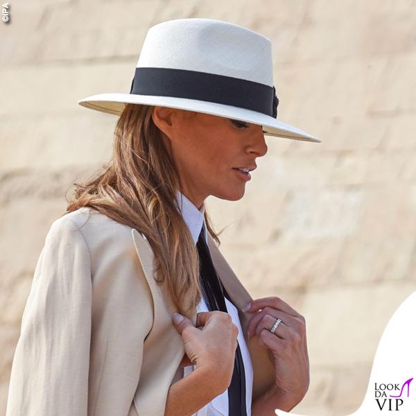 Melania Trump blazer Ralph Lauren ballerine capello Chanel cintura Dolce & Gabbana