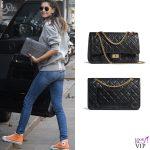 Melissa Satta borsa Chanel 2.55 scarpe Converse All Stars