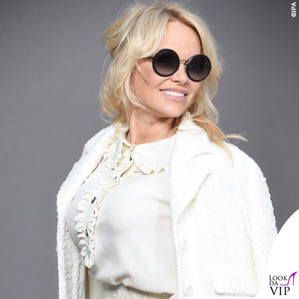 Pamela Anderson total look Chanel 3