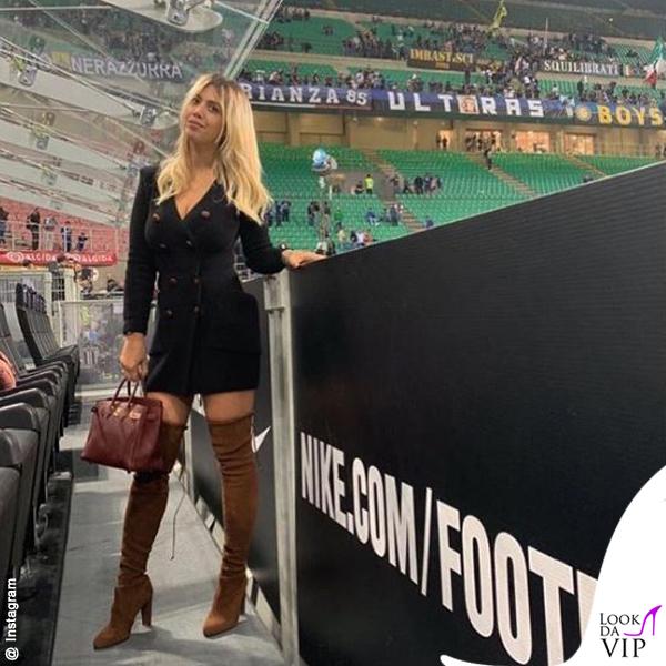 Wanda Nara Inter-Cagliari abito Balmain stivali Stuart Weitzman borsa Hermes