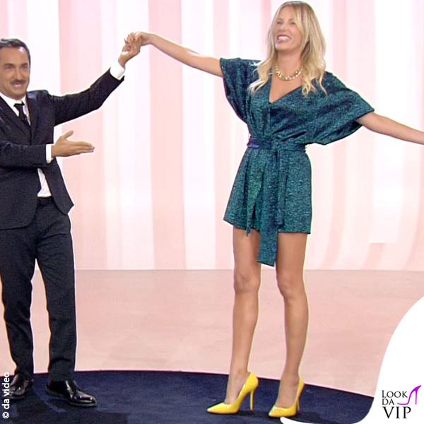 Alessia Marcuzzi 4 puntata Le Iene abito Circus Hotel scarpe Moreschi 1