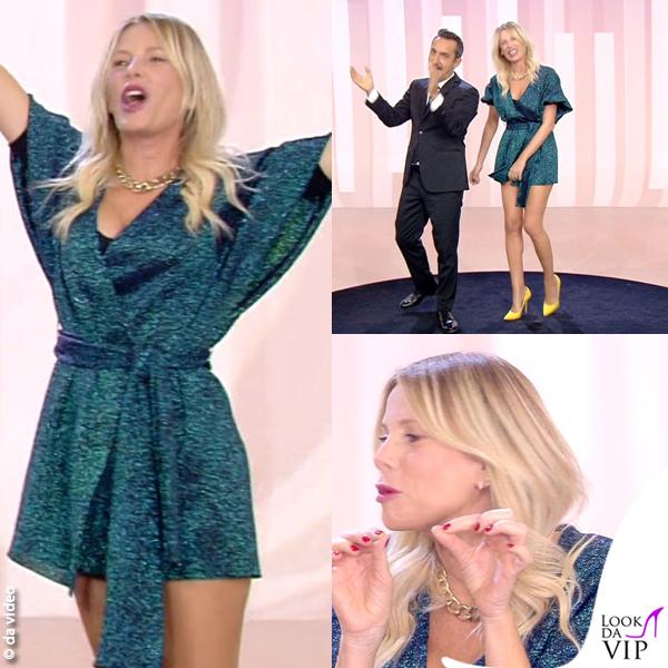 Alessia Marcuzzi 4 puntata Le Iene abito Circus Hotel scarpe Moreschi