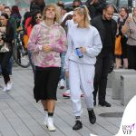 JustinBieber-Hailey-Baldwin-Londra-sneakers-Nike-x-Off-White-Adidas-calze-Vetements-tuta-Cherry