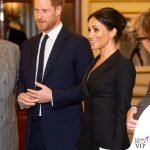 Meghan Markle abito Judith and Charles, pump Paul Andrew