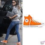 Melissa Satta borsa Chanel 2.55 scarpe Converse All Stars 2