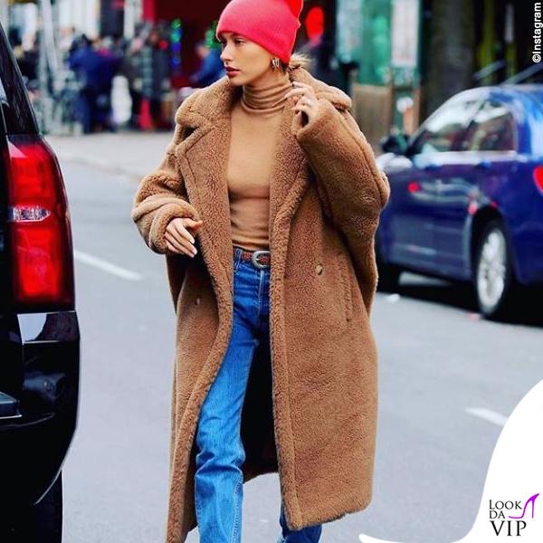Hailey Baldwin cappotto Max Mara